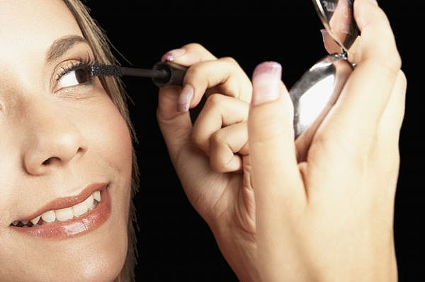 Now How To Put Make Up