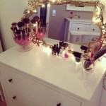 Ideal Make Up Desk