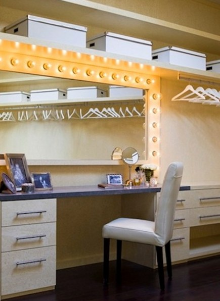 Great Make Up Mirror With Lights