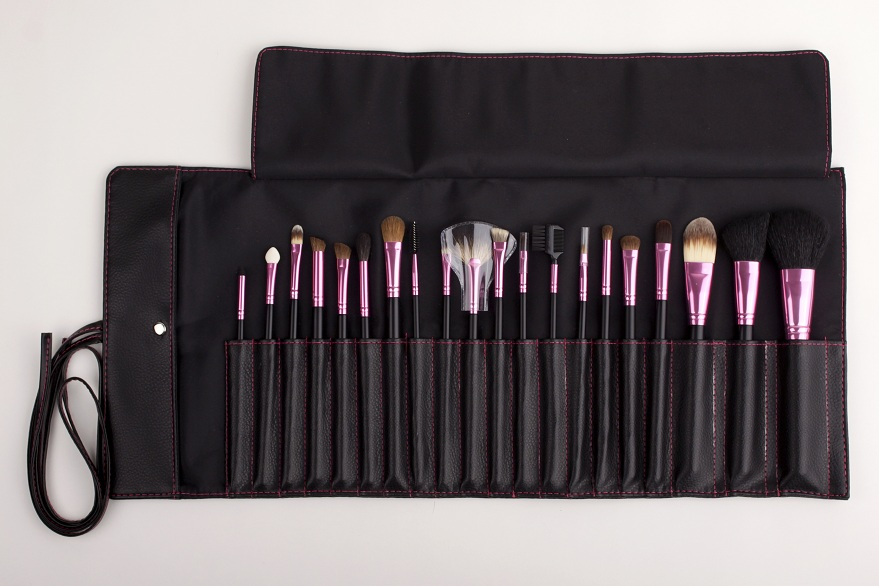 Delicate Makeup Brush Set