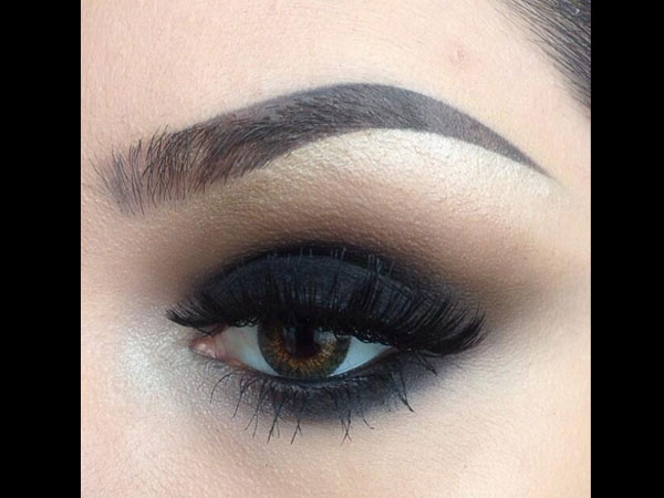 Deep Smokey Eye Make Up